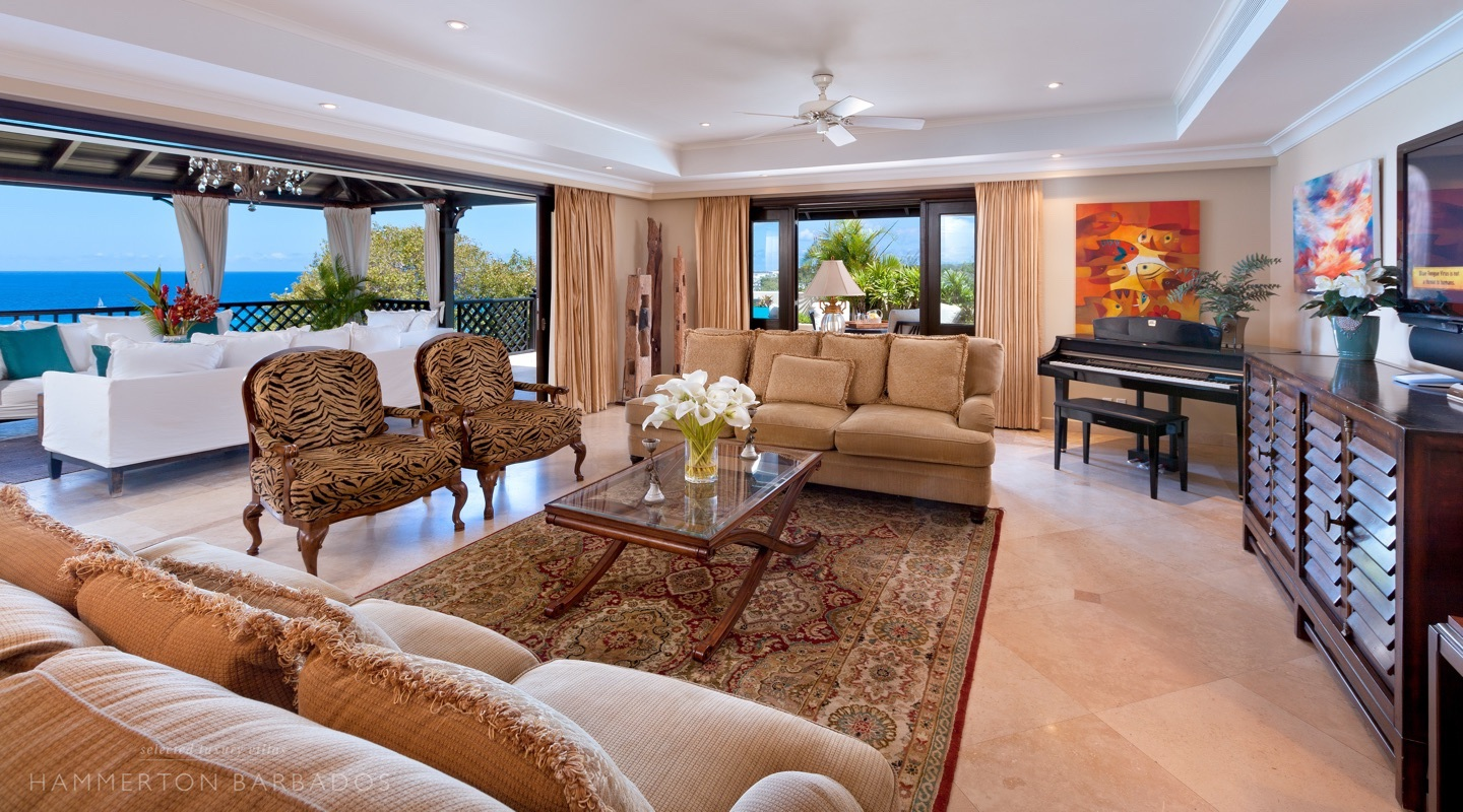 Sandy Cove 402 - Penthouse villa in Derricks, Barbados