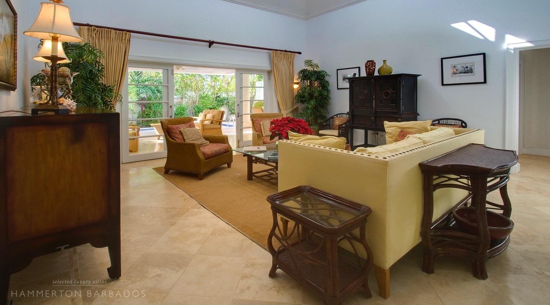 Coral Breeze villa in Mullins, Barbados